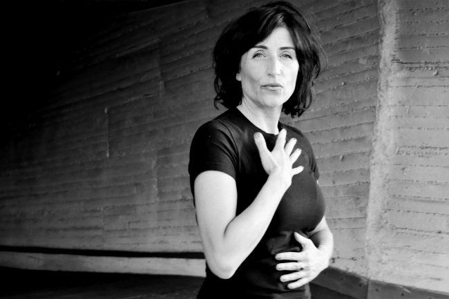 Monika Mazur erklärt die Arbeit mit Gefühlen