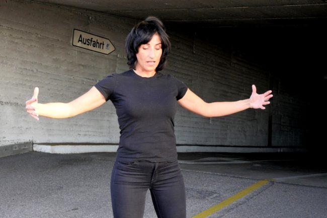 Monika Mazur präsentiert